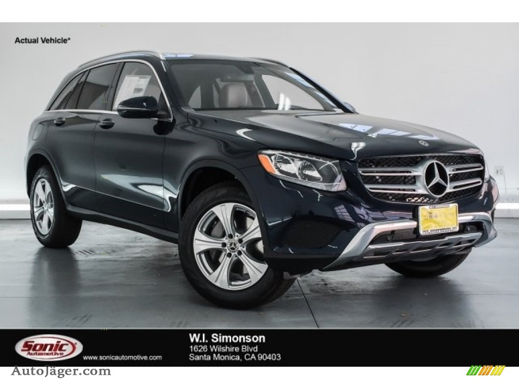 Lunar Blue Metallic / Silk Beige/Espresso Brown Mercedes-Benz GLC 300