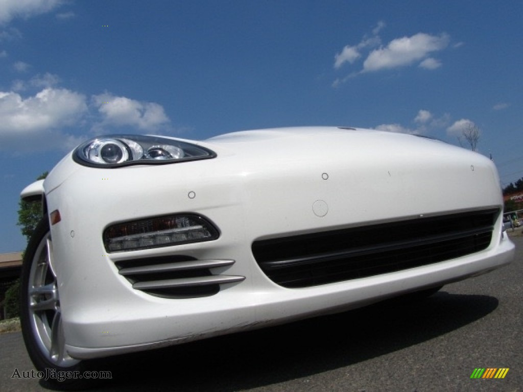 2012 Panamera 4 - Carrara White / Luxor Beige photo #1