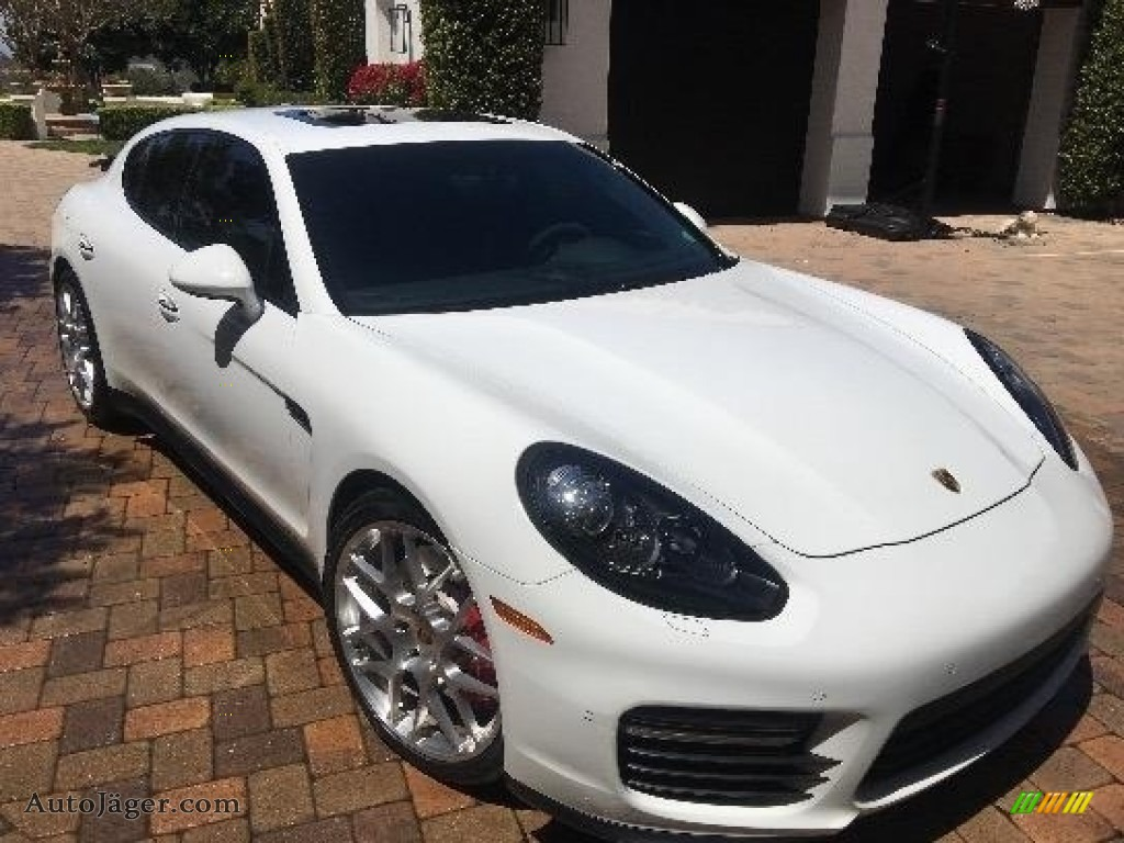 2015 Panamera GTS - White / Black photo #1