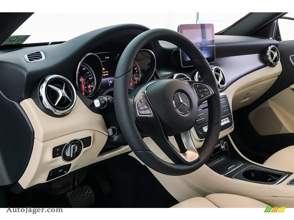 2018 GLA 250 - Lunar Blue Metallic / Sahara Beige photo #5