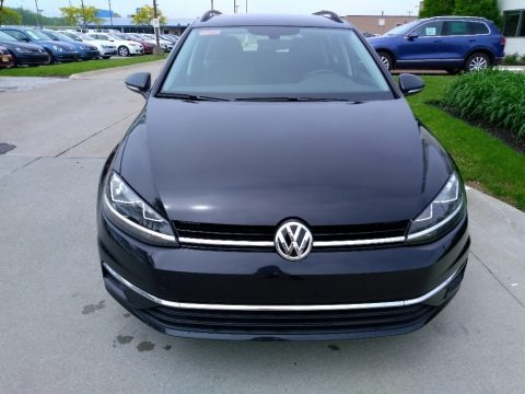 Deep Black Pearl 2018 Volkswagen Golf SportWagen S