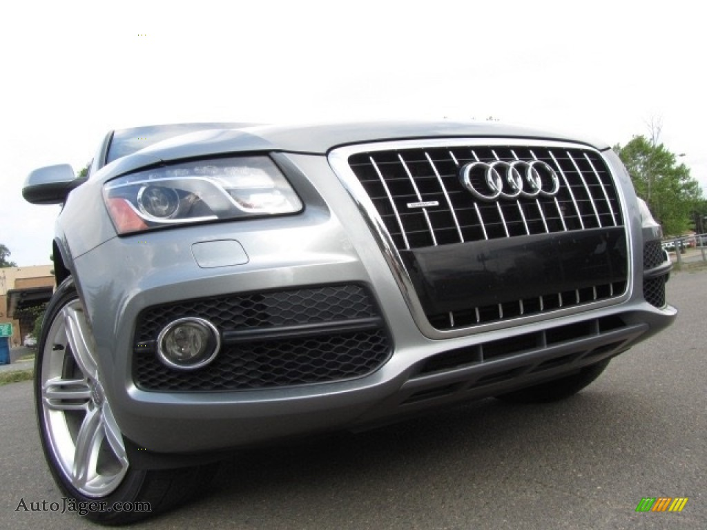 2011 Q5 3.2 quattro - Quartz Grey Metallic / Black photo #1