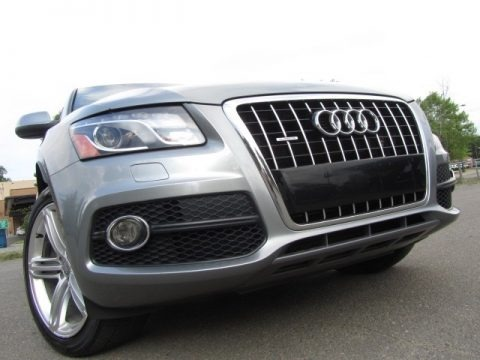 Quartz Grey Metallic 2011 Audi Q5 3.2 quattro