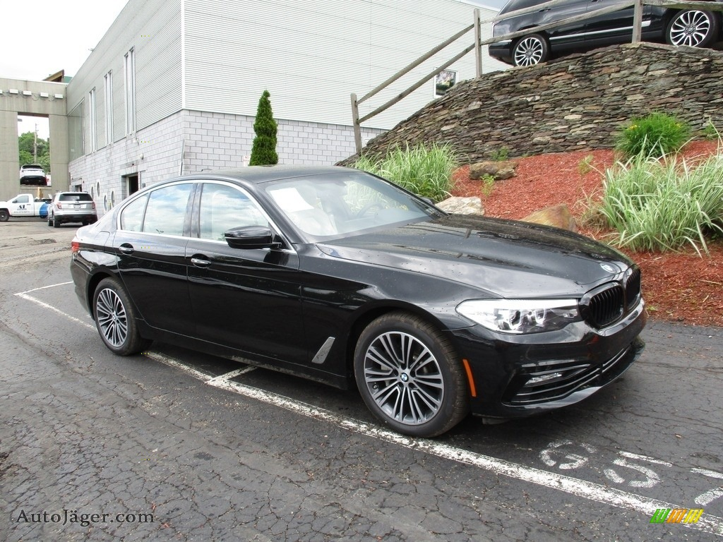2018 5 Series 540i xDrive Sedan - Black Sapphire Metallic / Ivory White photo #1