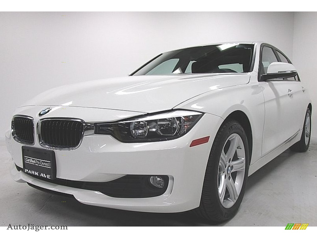 Alpine White / Black BMW 3 Series 320i xDrive Sedan