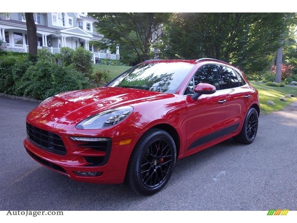 Carmine Red / Black Porsche Macan GTS