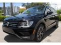 Volkswagen Tiguan SEL Deep Black Pearl photo #5