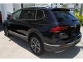 Volkswagen Tiguan SEL Deep Black Pearl photo #6