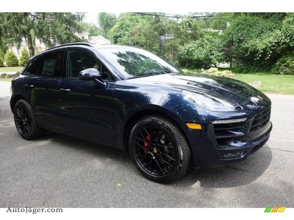 Night Blue Metallic / Black Porsche Macan GTS