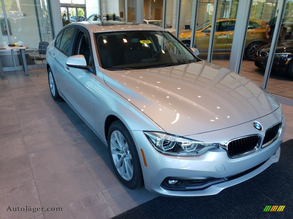 2018 3 Series 320i xDrive Sedan - Glacier Silver Metallic / Black photo #1