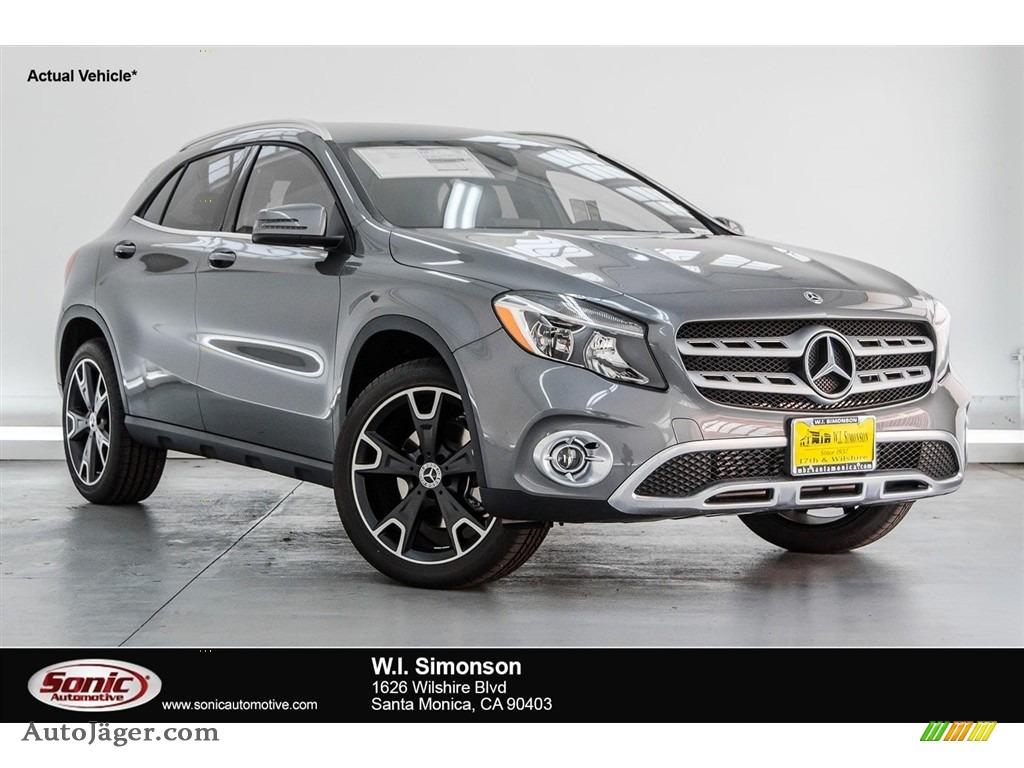 2018 GLA 250 - Mountain Grey Metallic / Black photo #1