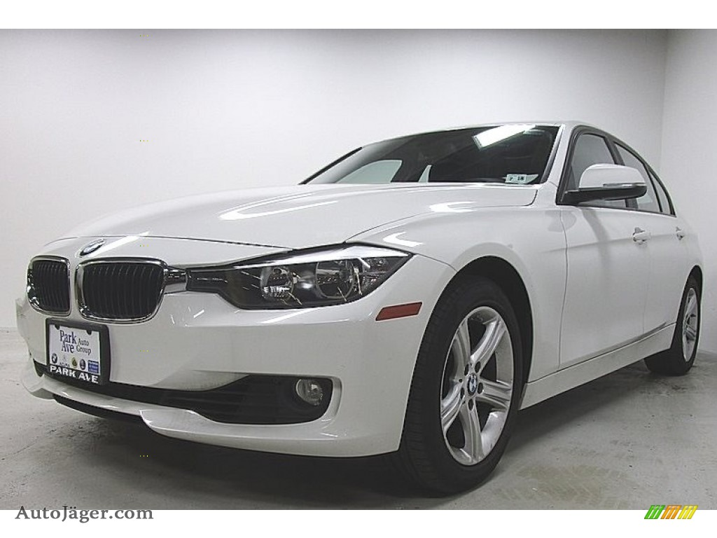2013 3 Series 328i xDrive Sedan - Alpine White / Black photo #1