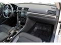 Volkswagen Passat SE Sedan Reflex Silver Metallic photo #18