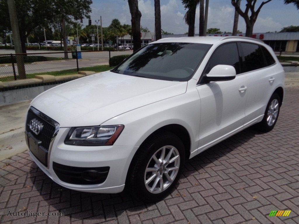 2011 Q5 2.0T quattro - Ibis White / Black photo #1