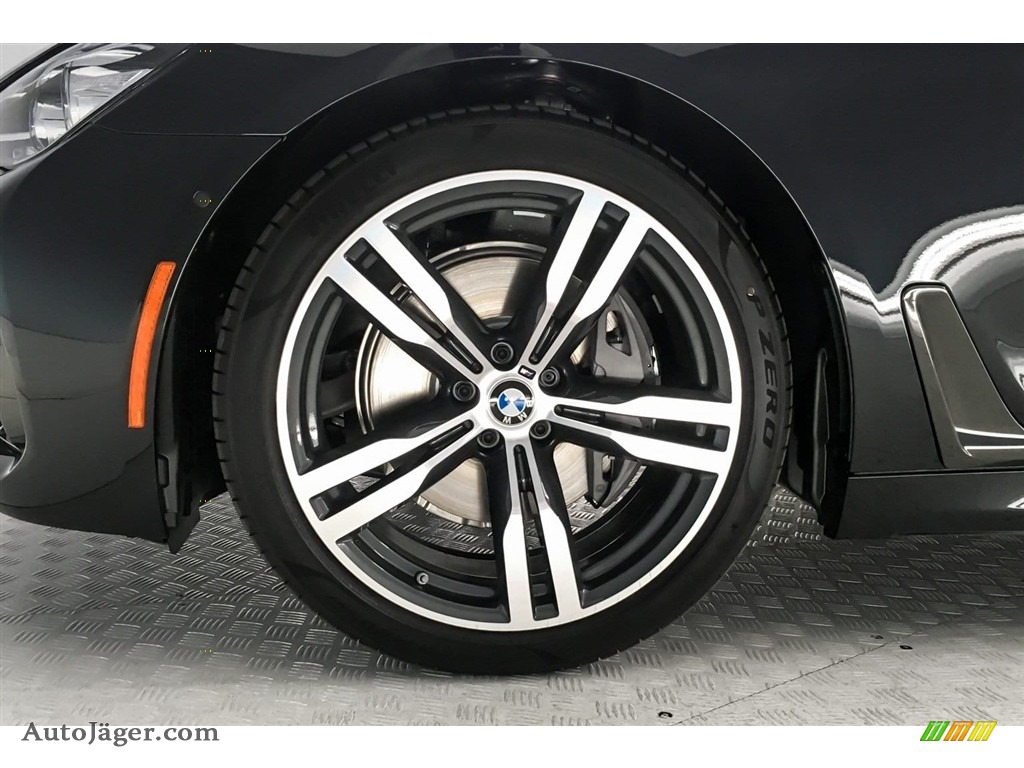 2019 7 Series 740i Sedan - Black Sapphire Metallic / Black photo #9