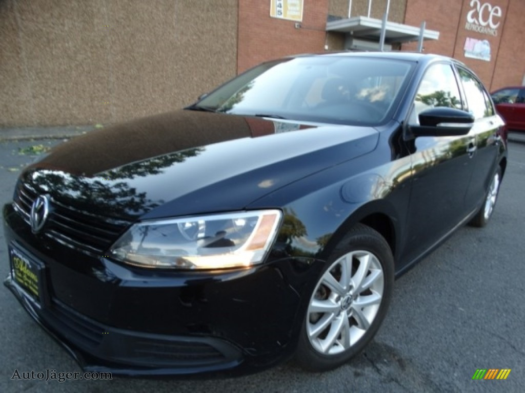 2011 Jetta SE Sedan - Black / Titan Black photo #1