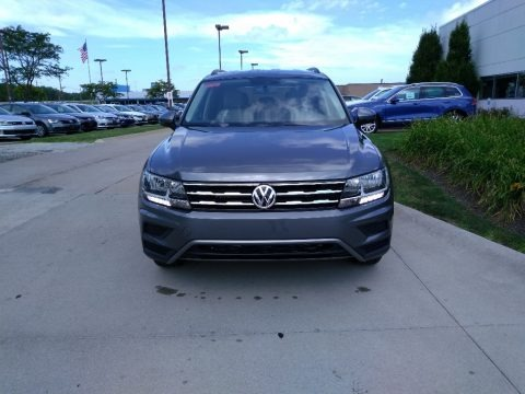 Platinum Gray Metallic 2018 Volkswagen Tiguan S 4MOTION