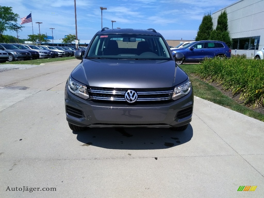 Pepper Gray Metallic / Charcoal Black Volkswagen Tiguan Limited 2.0T 4Motion