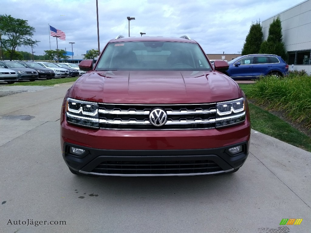 Fortana Red Metallic / Titan Black Volkswagen Atlas SE 4Motion