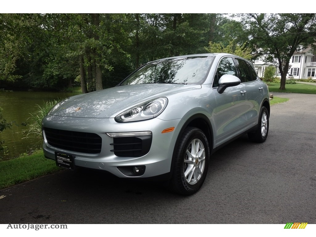 2016 Cayenne  - Rhodium Silver Metallic / Black photo #1