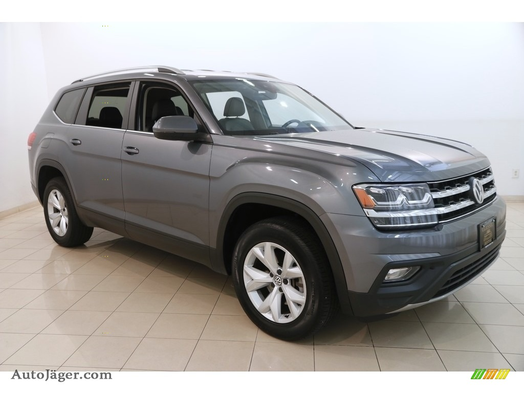 2018 Atlas SE 4Motion - Platinum Gray Metallic / Titan Black photo #1