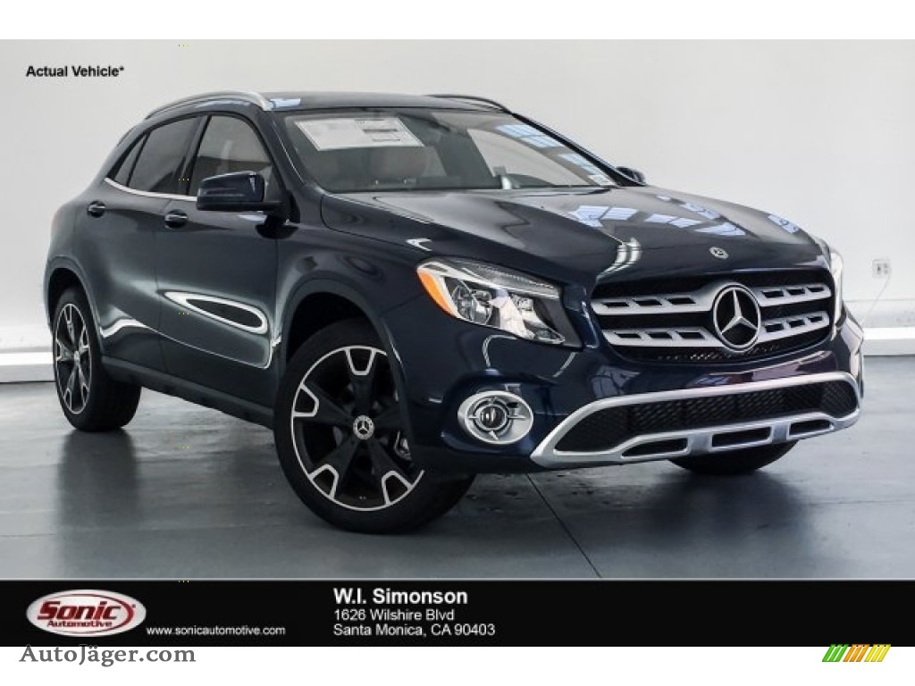 2018 GLA 250 - Lunar Blue Metallic / Sahara Beige photo #1