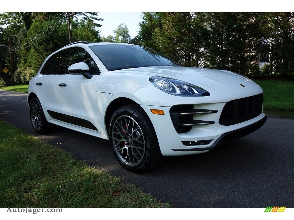 2018 Macan Turbo - White / Black photo #1