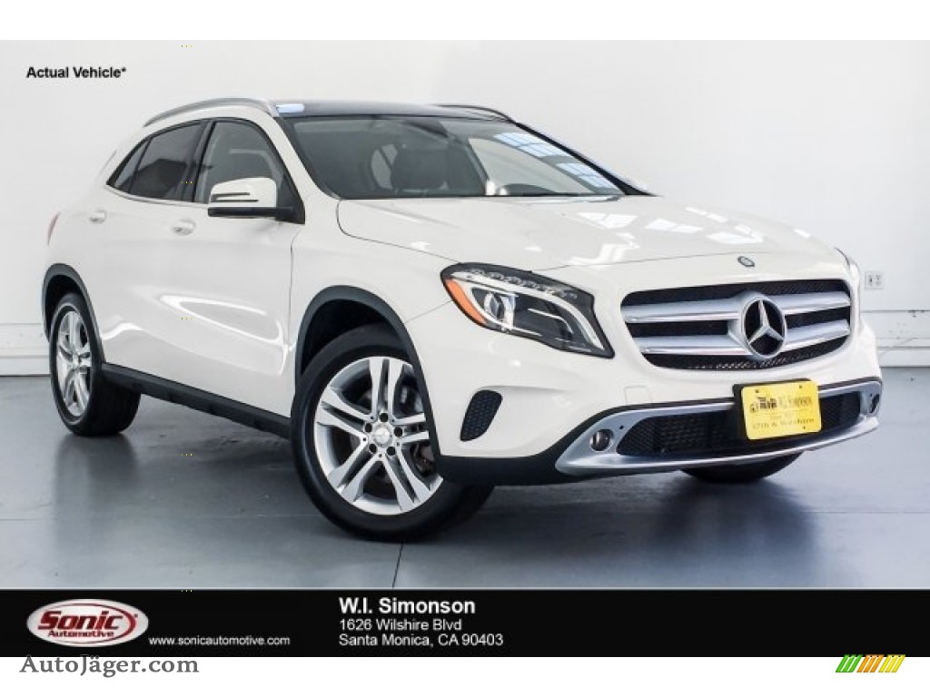 2015 GLA 250 4Matic - Cirrus White / Black photo #1