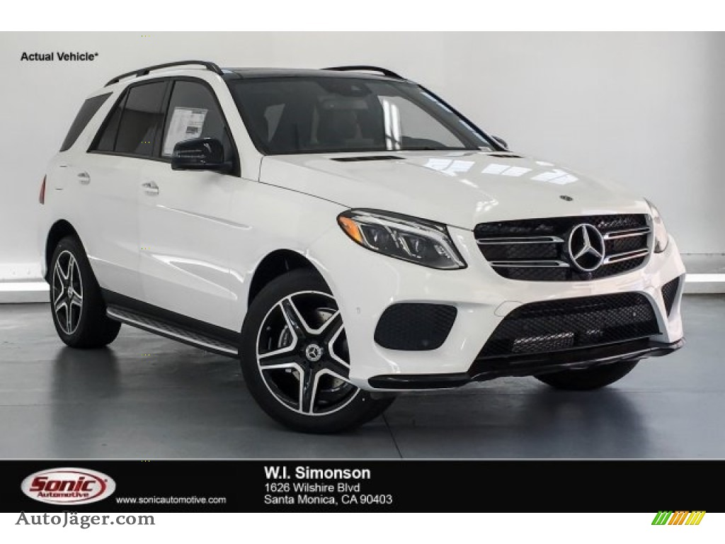 Polar White / Black Mercedes-Benz GLE 400 4Matic