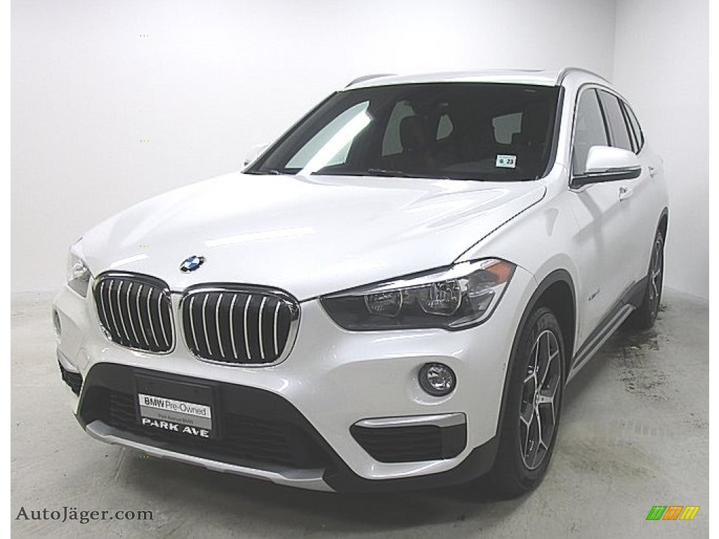 2018 X1 xDrive28i - Mineral White Metallic / Mocha photo #1