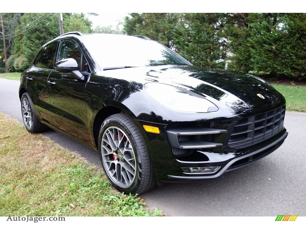 Black / Black/Garnet Red Porsche Macan Turbo
