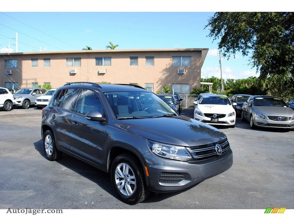 2016 Tiguan S - Pepper Gray Metallic / Beige/Black photo #1