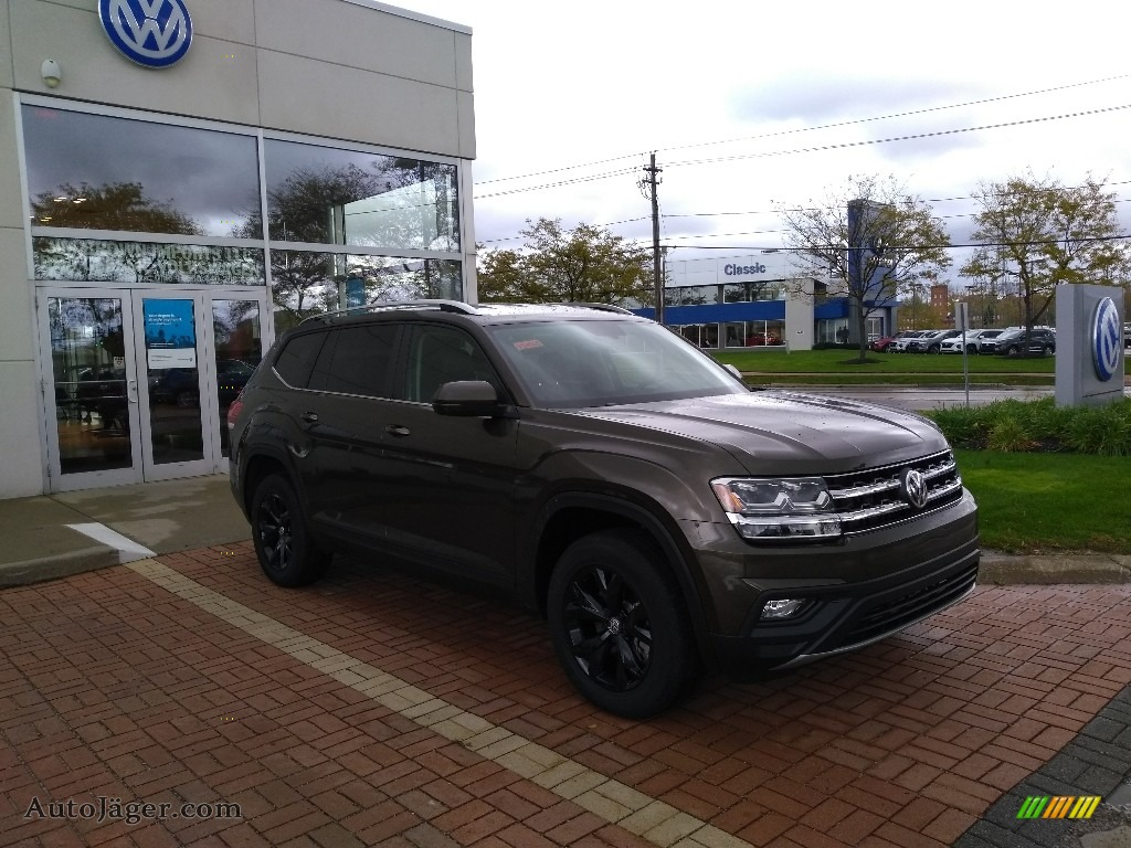 Terra Brown Metallic / Titan Black Volkswagen Atlas SE 4Motion