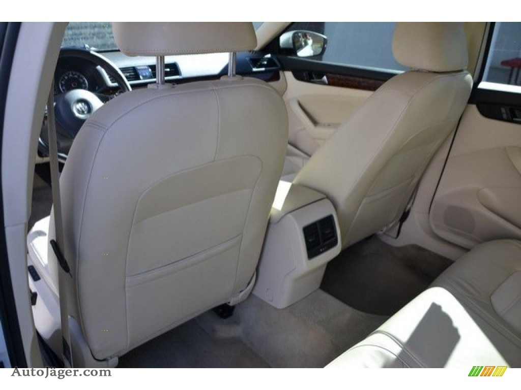 2013 Passat V6 SEL - Candy White / Cornsilk Beige photo #20