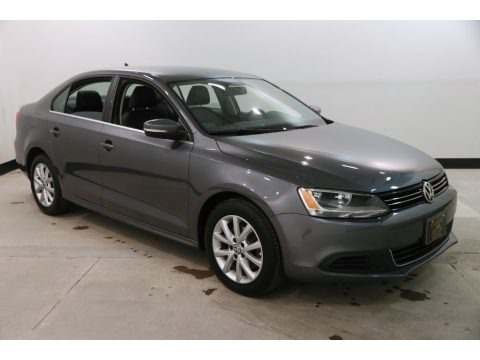 Platinum Gray Metallic 2014 Volkswagen Jetta SE Sedan