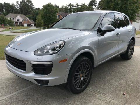 Rhodium Silver Metallic 2018 Porsche Cayenne Platinum Edition
