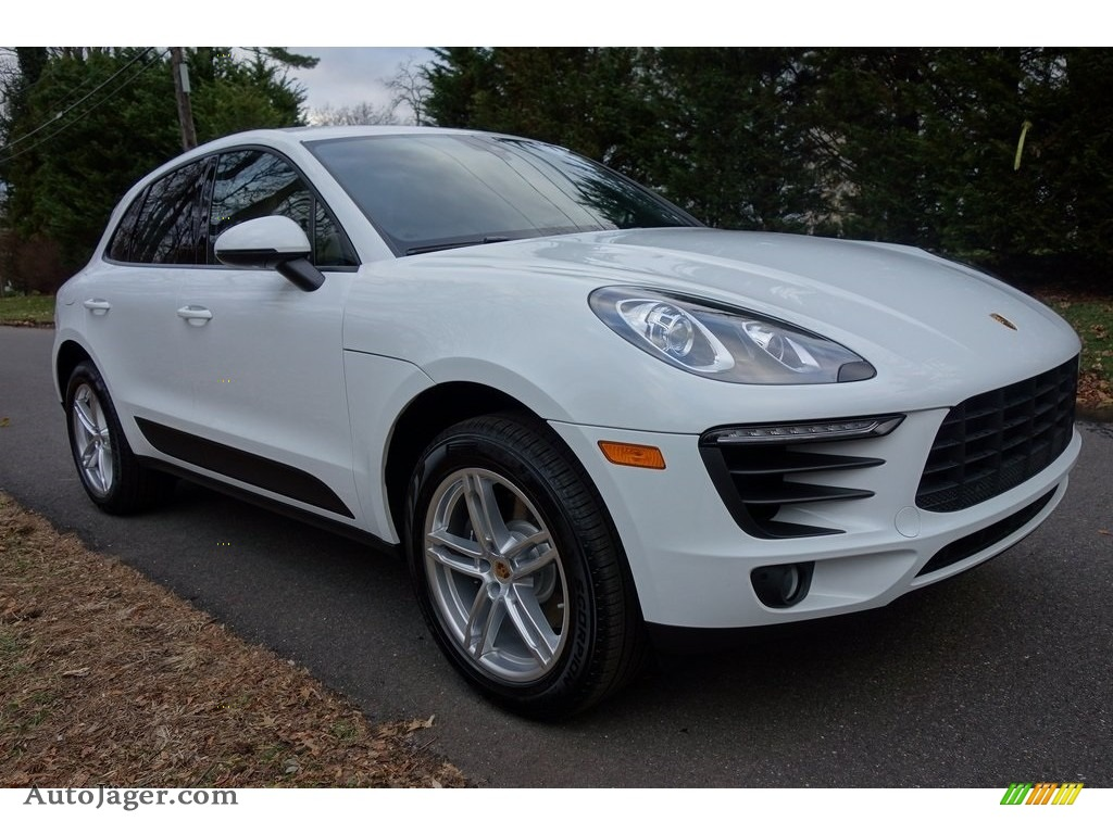 2018 Macan  - White / Black/Luxor Beige photo #1