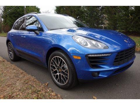 Sapphire Blue Metallic 2018 Porsche Macan Sport Edition