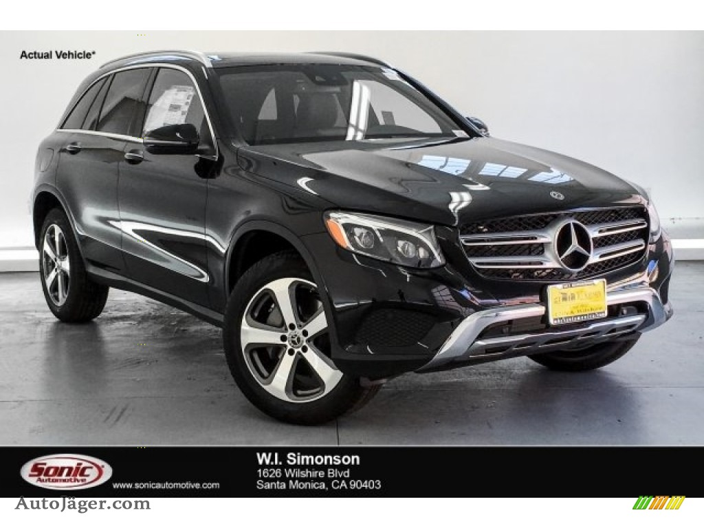 2019 GLC 300 4Matic - Black / Black photo #1