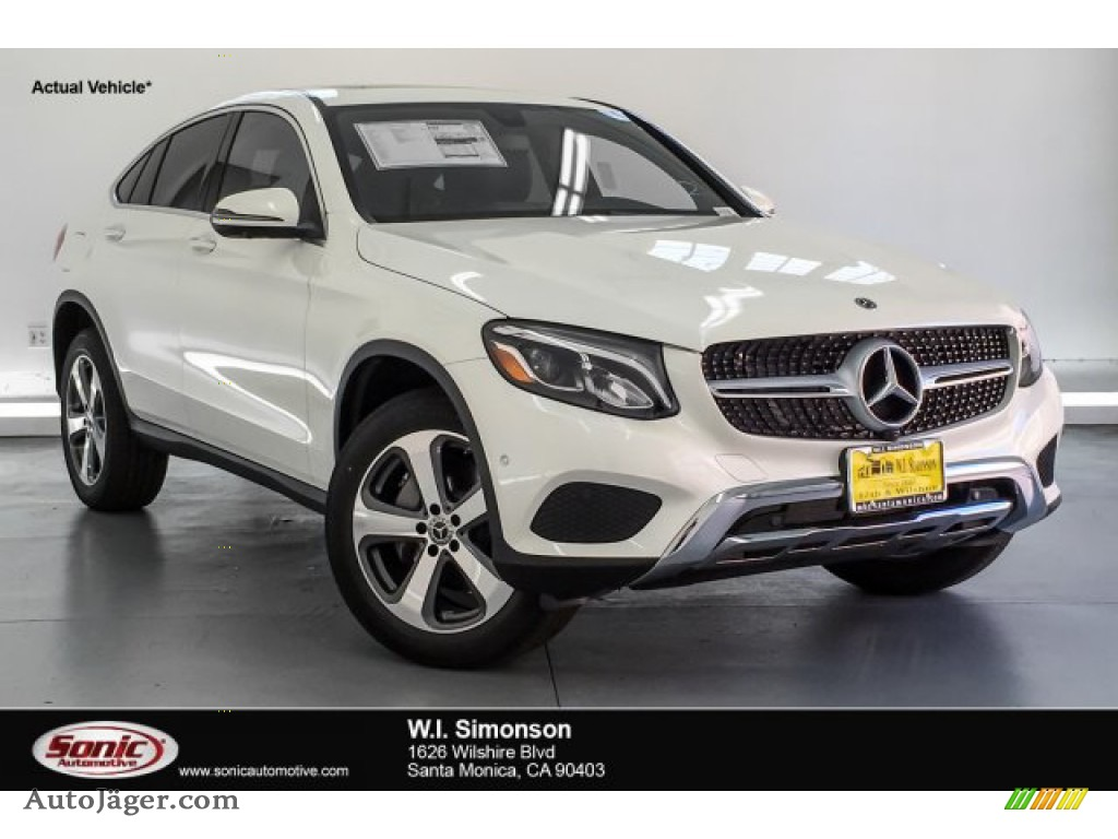 designo Diamond White Metallic / Black Mercedes-Benz GLC 300 4Matic Coupe
