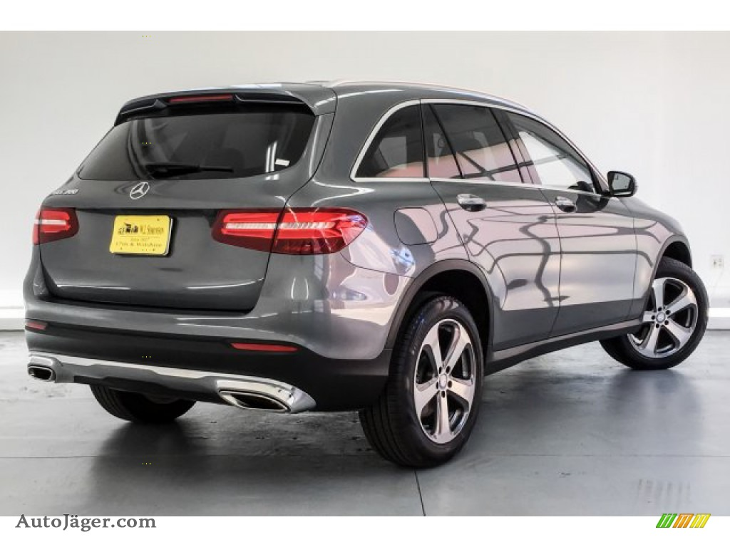 2017 GLC 300 - Selenite Grey Metallic / Silk Beige/Black photo #16