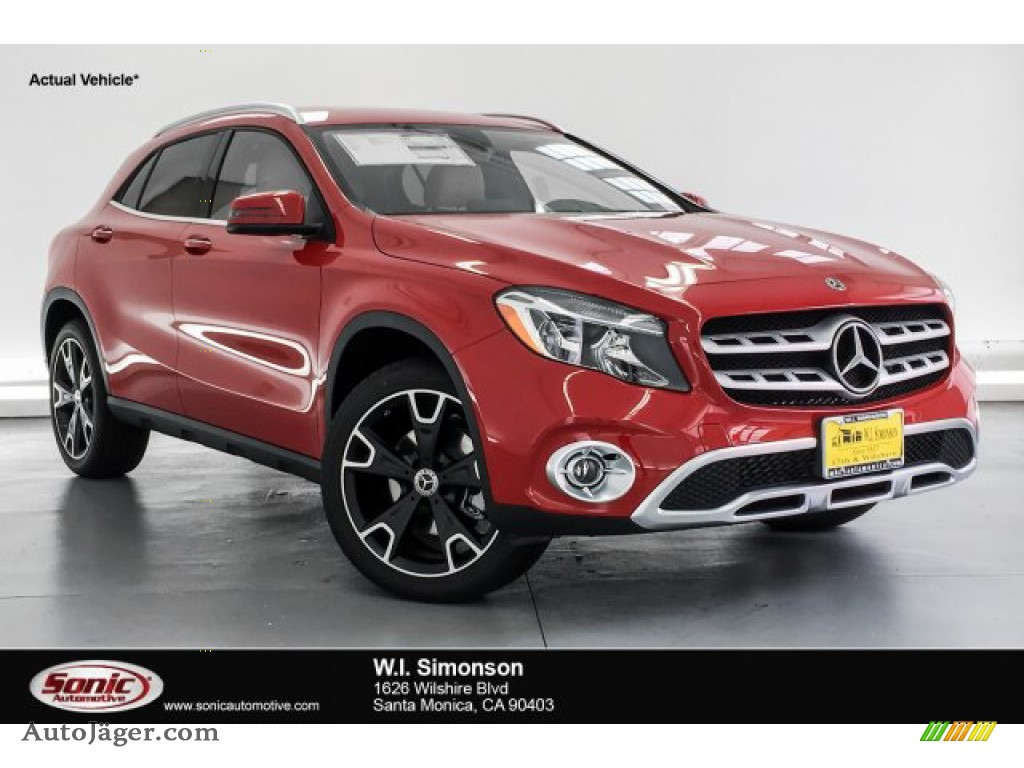 2019 GLA 250 - Jupiter Red / Sahara Beige photo #1
