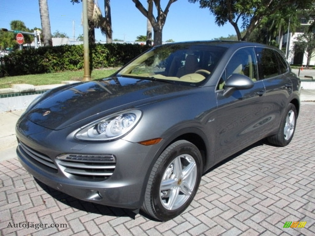 2014 Cayenne Diesel - Meteor Grey Metallic / Luxor Beige photo #1