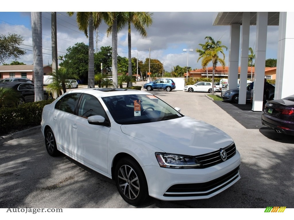 2017 Jetta SE - Pure White / Titan Black photo #1