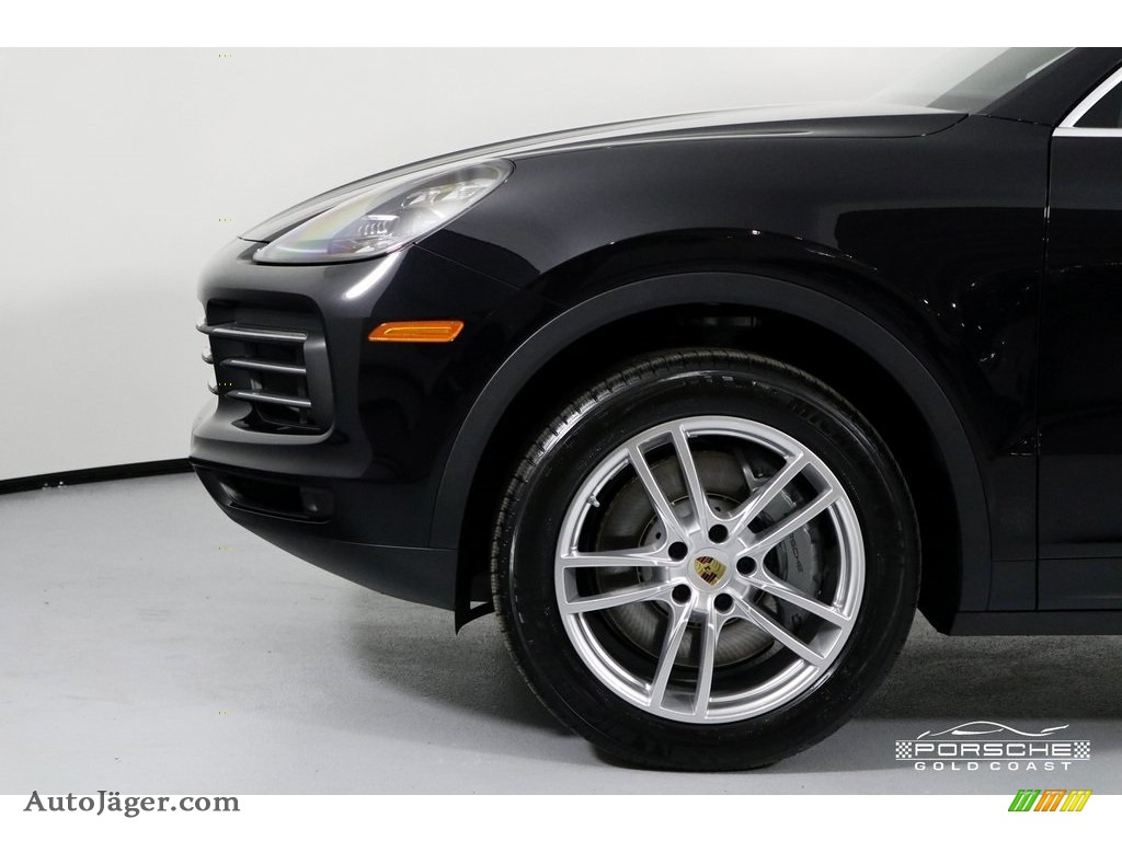 2019 Cayenne S - Black / Black photo #11