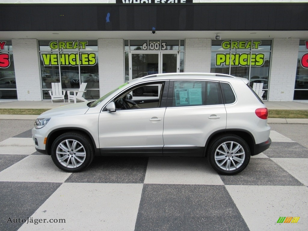 2012 Tiguan SE - Reflex Silver Metallic / Beige photo #1