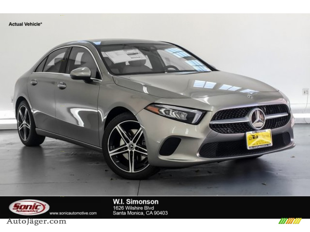 2019 A 220 Sedan - Mojave Silver Metallic / Macchiato Beige photo #1
