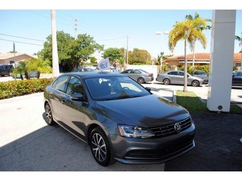 Platinum Gray Metallic 2018 Volkswagen Jetta SE