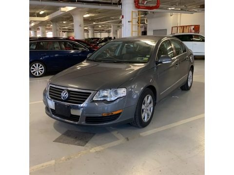 United Grey Metallic 2006 Volkswagen Passat 2.0T Sedan