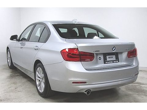 Glacier Silver Metallic 2018 BMW 3 Series 320i xDrive Sedan